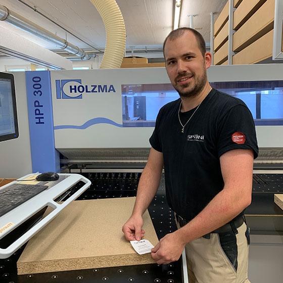 Mitarbeiter Markus von Rickenbach, Teil des Teams im Unternehmen Späni AG Schreinerei und Innenausbau
