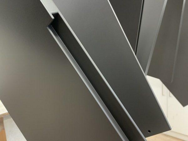 grau lackierte Möbelteile in der Produktion der Späni AG Schreinerei und Innenausbau Schwyz