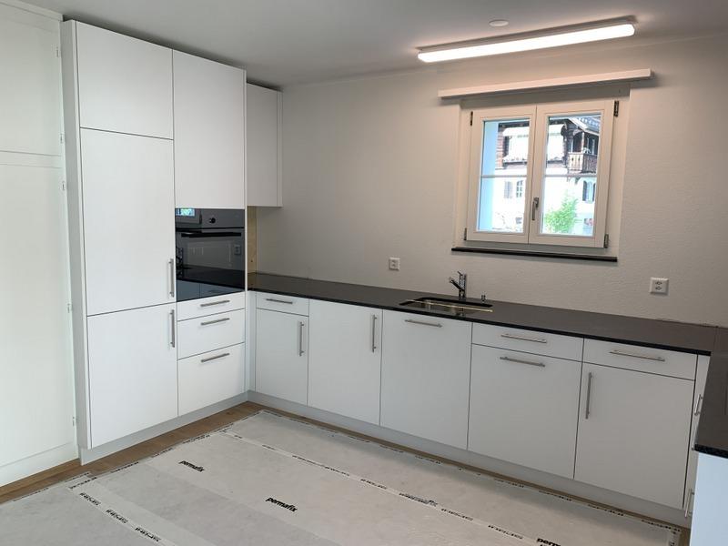 Umbau einer Küche in Schwyz durch Späni AG Schreinerei und Innenausbau